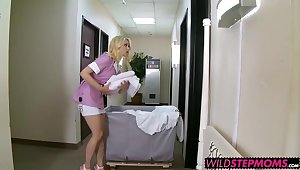 Horny Alli with the addition of Hot Tara loves about drag inflate chubby cock on hotel bed