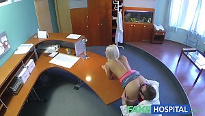 FakeHospital Hot glum comme �a gets probed and squirts