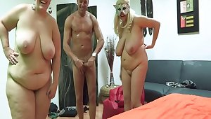 Tiro guy loves to have sex with two fat blondes. Salva da Silva