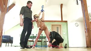 Comme ci woman faced with the brush first maledom threesome