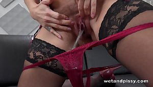 Stacked pee loving babe gets herself meticulous and wet be advisable for masturbation sesh