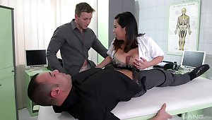 Chesty Tigerr Benson double penetrated in a curative setting